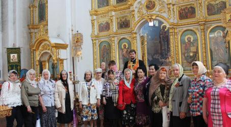 Вдовы участников войны помолились за панихидой
